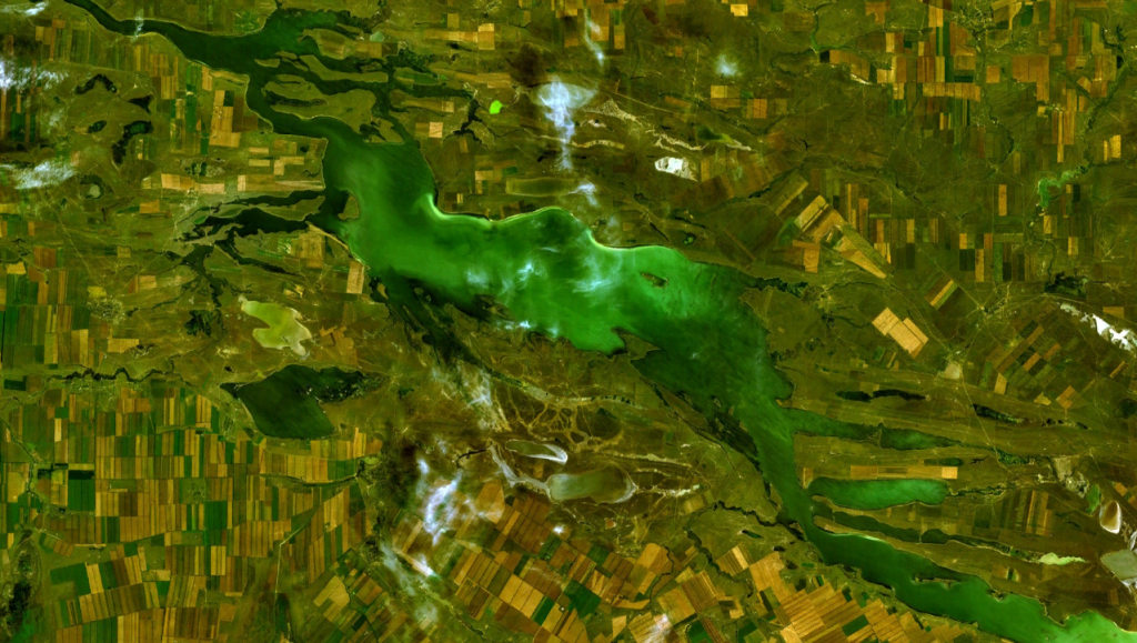 Lake_Manych-Gudilo_satellite-photo